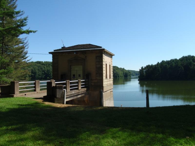 Clendening lake muskingum watershed conservancy district for Seneca lake fishing report